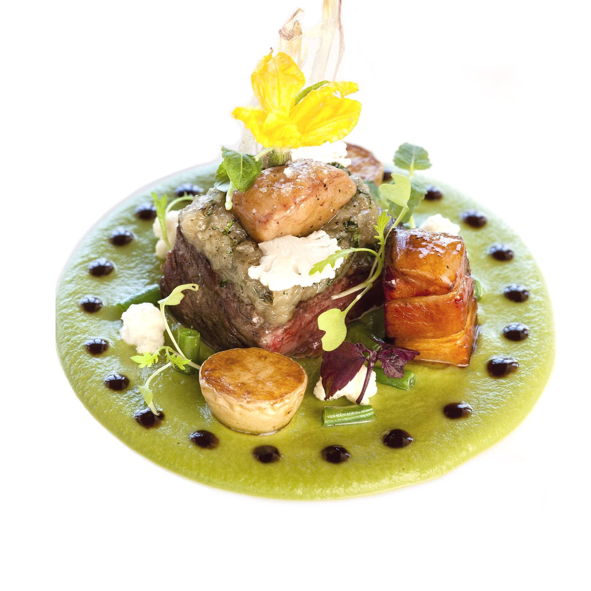 Pièce de Bœuf Black Angus, haricots vert, sauce vigneronne.
